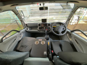 キャンピングカー運転席